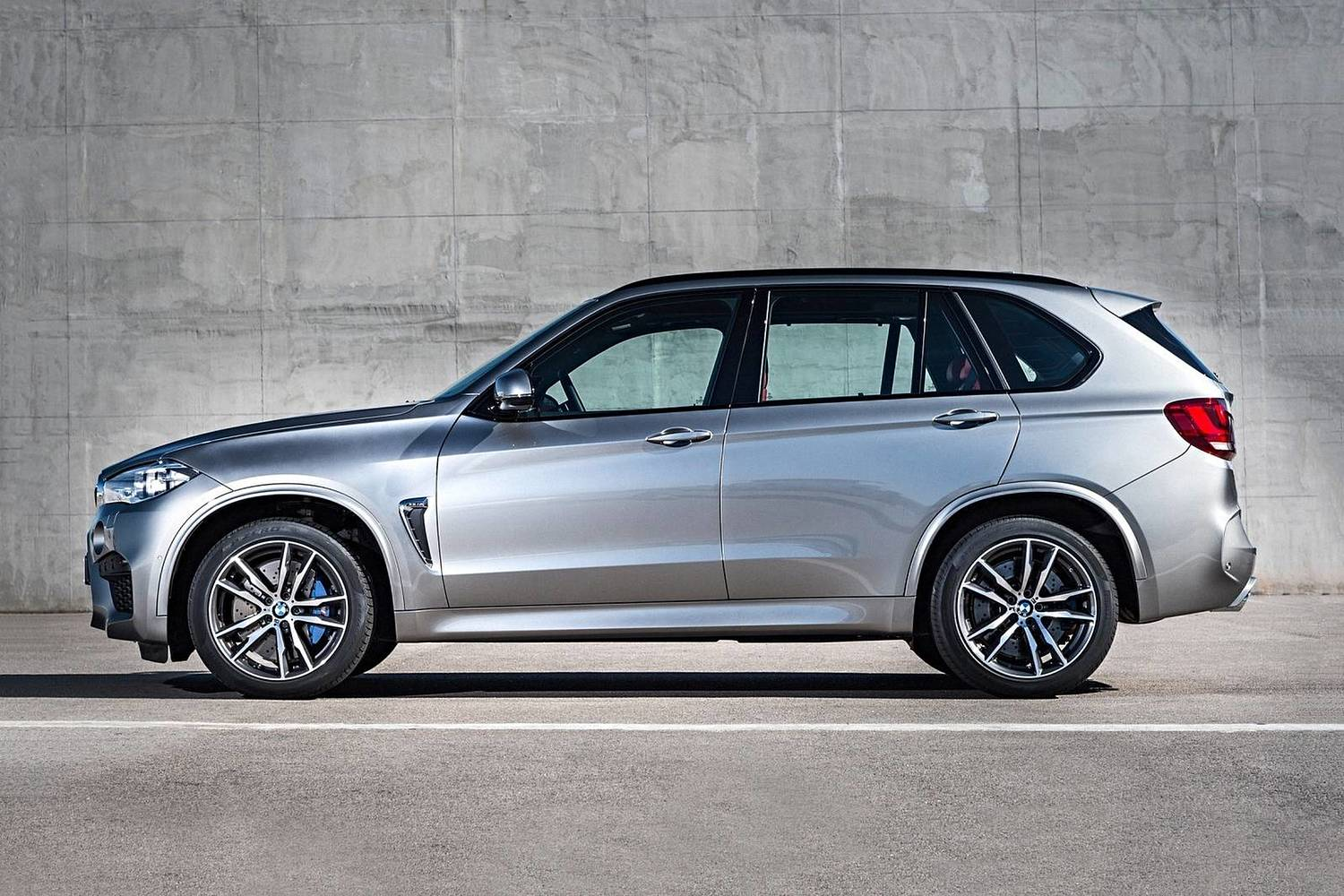BMW X5 M 4dr SUV Exterior (2017 model year shown)
