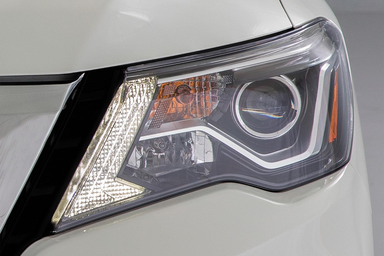 Nissan Pathfinder Platinum 4dr SUV Headlamp Detail (2017 model year shown)