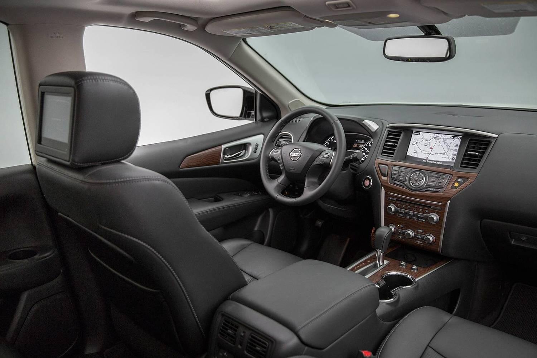 Nissan Pathfinder Platinum 4dr SUV Interior Shown (2017 model year shown)