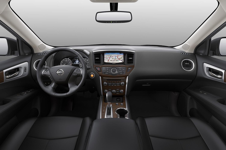 Nissan Pathfinder Platinum 4dr SUV Dashboard (2017 model year shown)