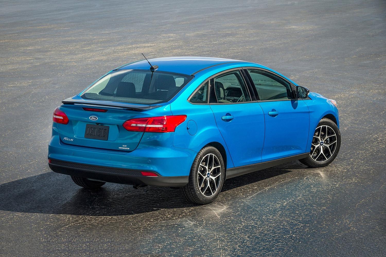 2017 ford focus se sedan exterior