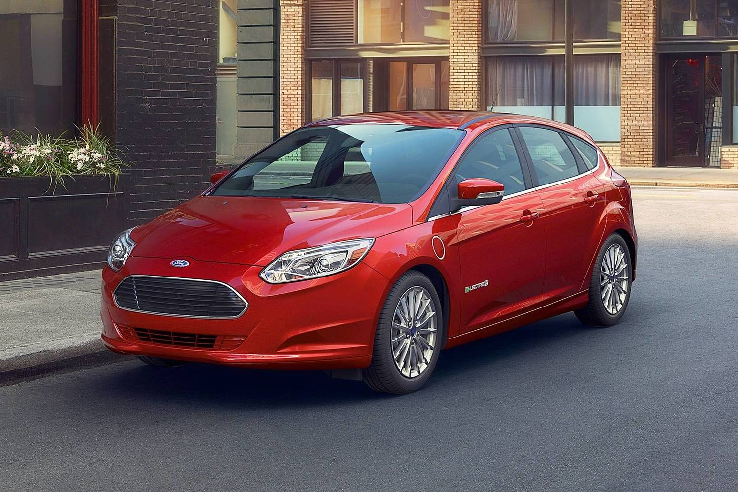 Ford Focus Electric 4dr Hatchback Exterior (2017 model year shown)