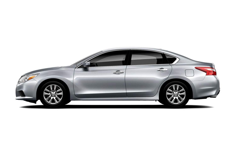 2017 Nissan Altima 2.5 Sedan Profile