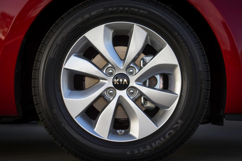 2017 Kia Rio EX Sedan Wheel