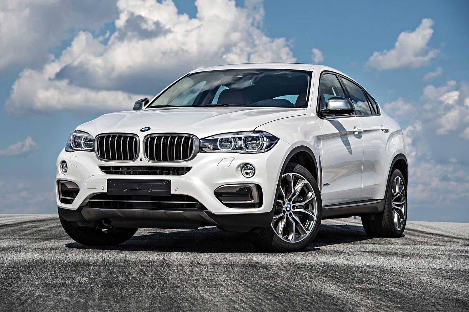 BMW X6 xDrive50i 4dr SUV Exterior Shown (2017 model year shown)