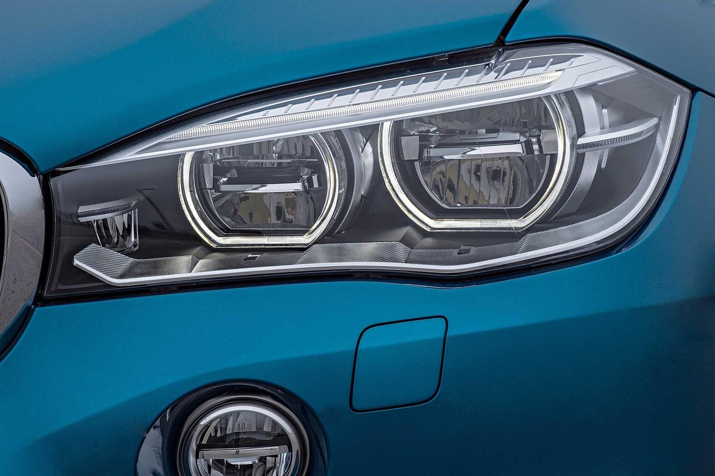 2017 BMW X6 M 4dr SUV Headlamp Detail