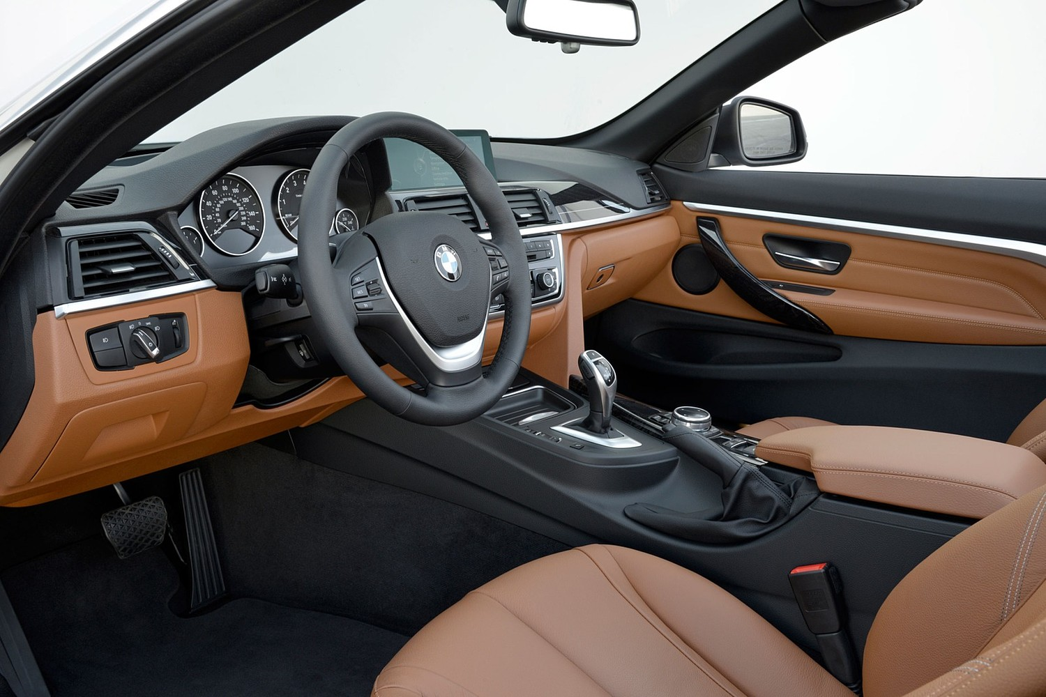 2017 BMW 4 Series 440i Convertible Interior. Luxury Line Package Shown.