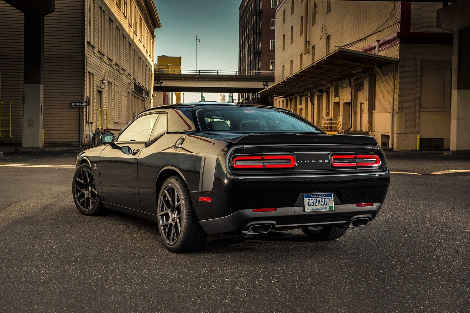 2018 dodge challenger r t scat pack coupe vehie. Black Bedroom Furniture Sets. Home Design Ideas