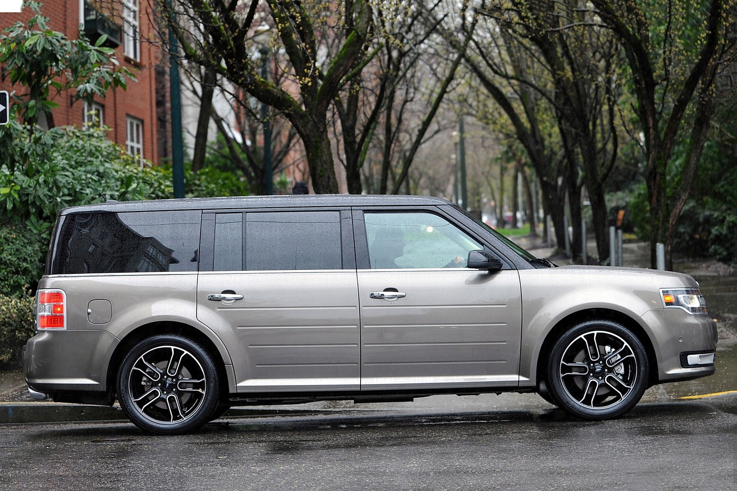 2017 Ford Flex Limited Wagon Exterior. Options Shown.