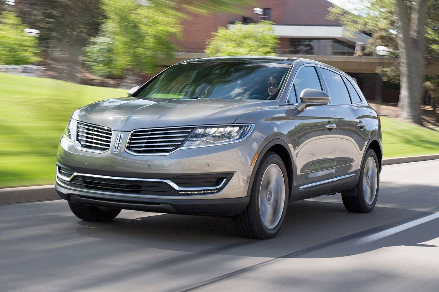 Lincoln MKX Reserve 4dr SUV Exterior Shown (2017 model year shown)