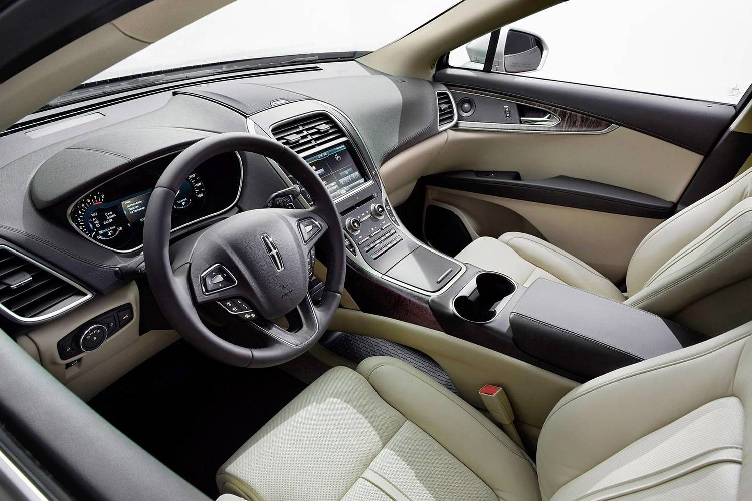 Lincoln MKX Reserve 4dr SUV Interior (2017 model year shown)