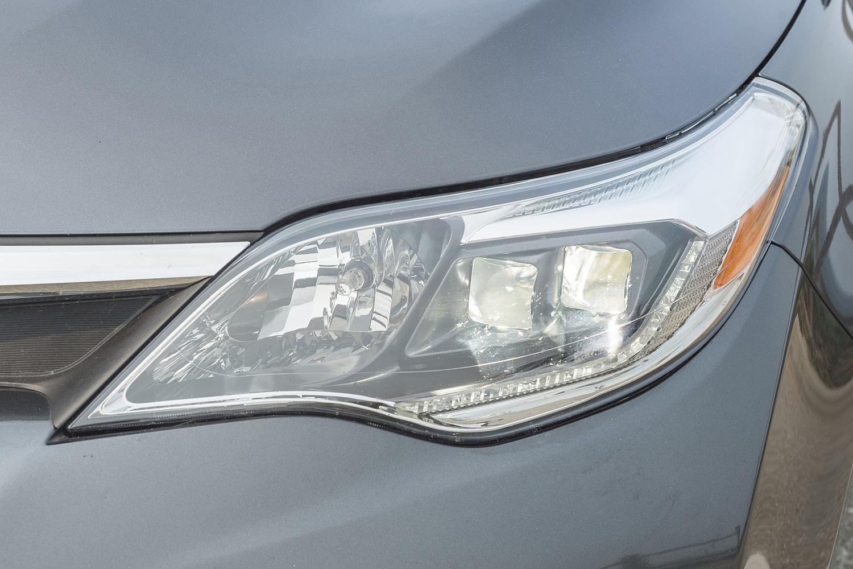 Toyota Avalon Hybrid Sedan Headlamp Detail (2017 model year shown)
