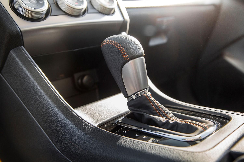 2017 Subaru Crosstrek 2.0i Limited PZEV 4dr SUV Shifter