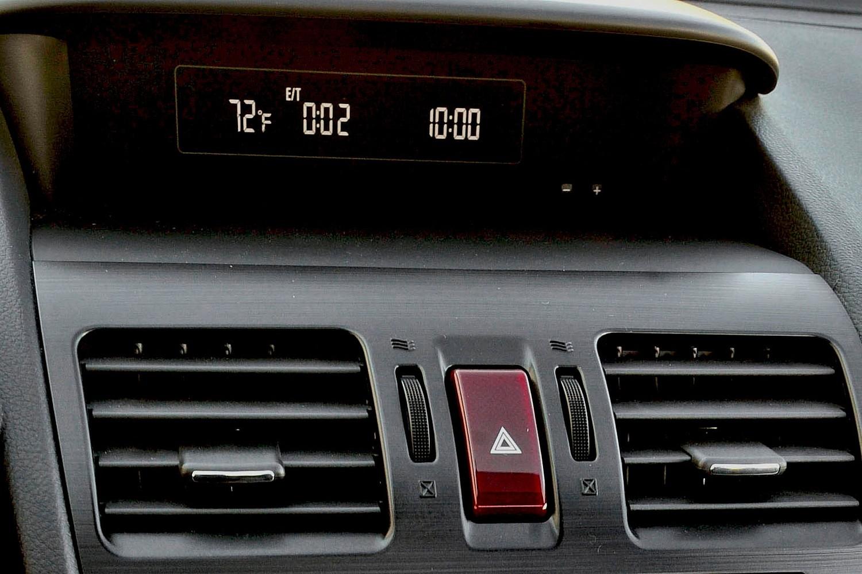 2017 Subaru Crosstrek 2.0i PZEV 4dr SUV Center Console