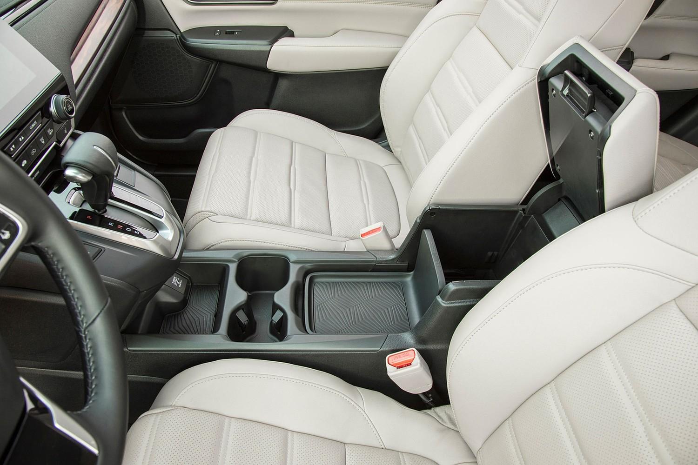 Honda CR-V Touring 4dr SUV Interior Detail (2017 model year shown)