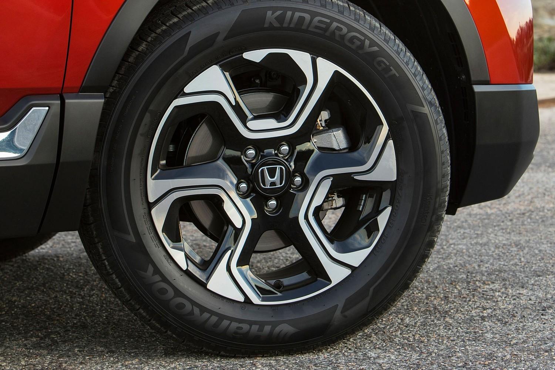 Honda CR-V Touring 4dr SUV Wheel (2017 model year shown)