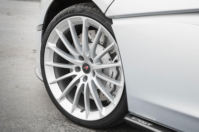 2017 McLaren 570GT Coupe Wheel