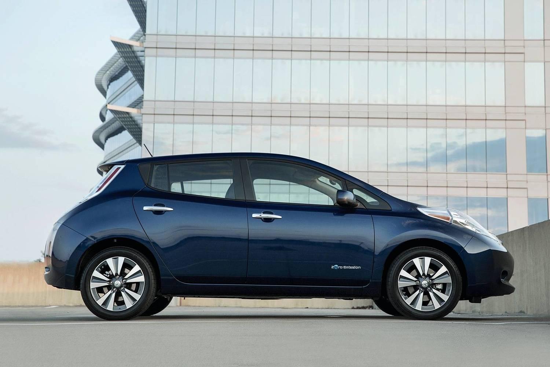 2017 Nissan Leaf SL 4dr Hatchback Exterior Shown