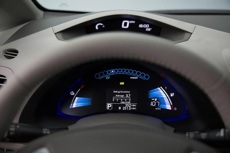 2017 Nissan Leaf SV 4dr Hatchback Gauge Cluster