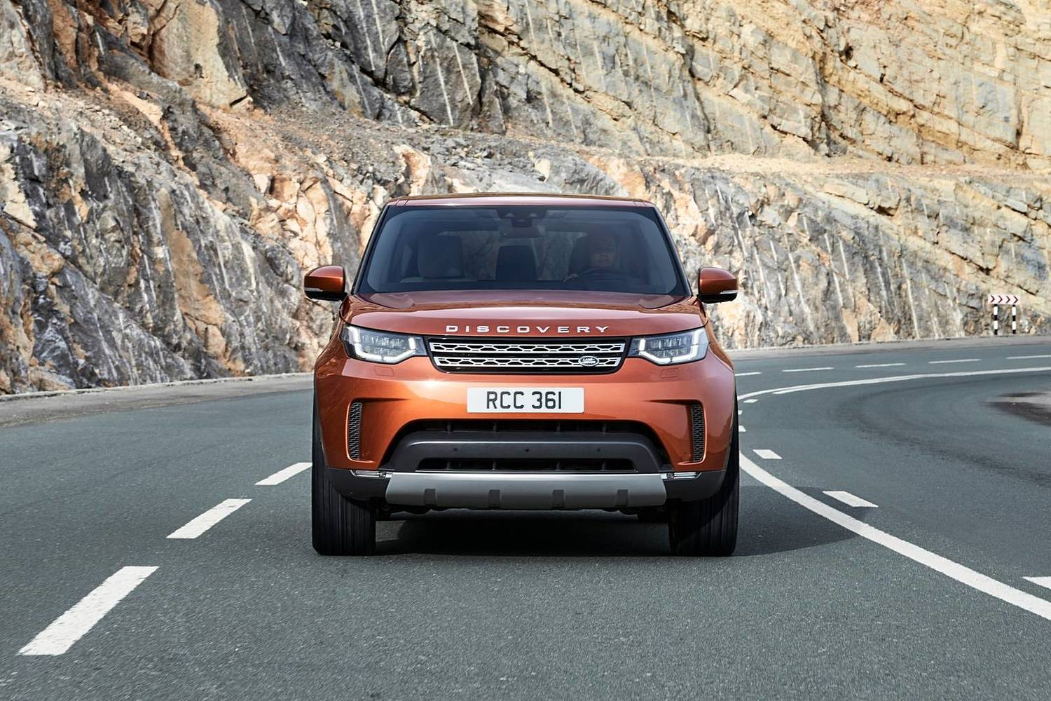 Land Rover Discovery HSE Td6 4dr SUV Exterior Shown (2017 model year shown)