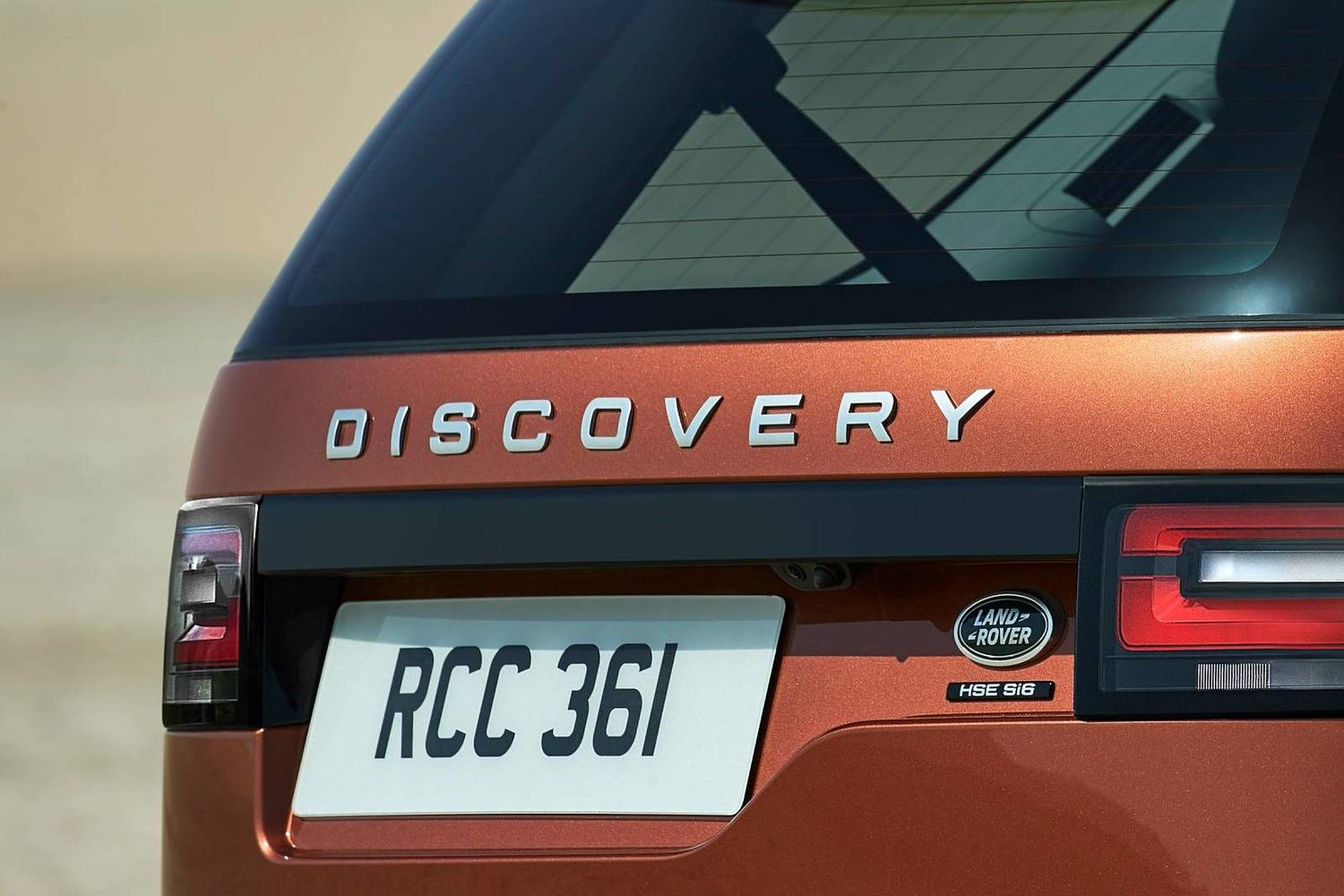 Land Rover Discovery HSE Td6 4dr SUV Rear Badge (2017 model year shown)