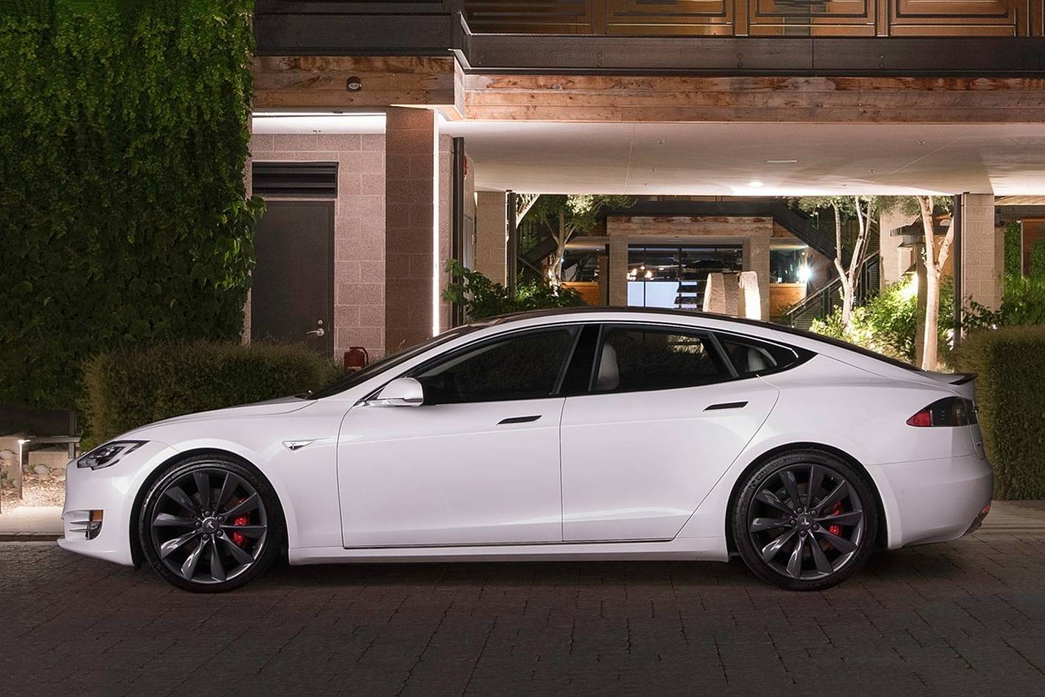 2017 Tesla Model S P100D Sedan Exterior. Options Shown.