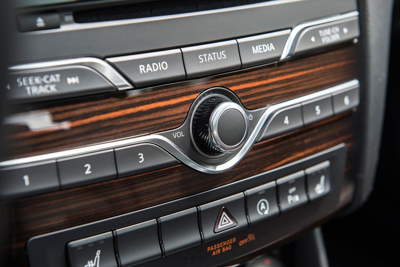 2017 Infiniti QX30 Premium 4dr SUV Interior Detail