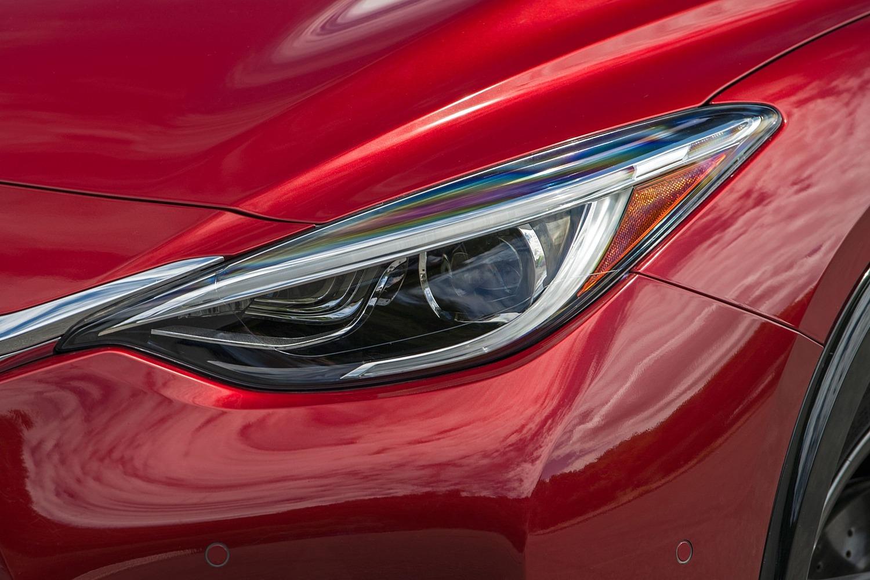2017 Infiniti QX30 Sport 4dr SUV Headlamp Detail