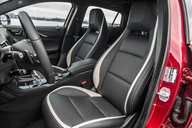 2017 Infiniti QX30 Sport 4dr SUV Interior