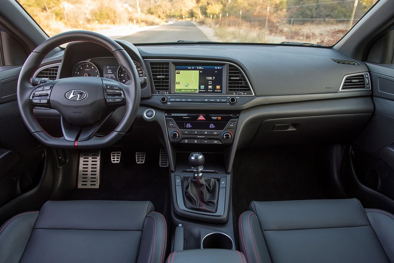 2017 Hyundai Elantra Sport Sedan Dashboard
