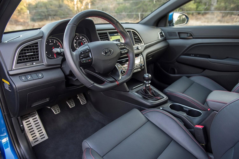 2017 Hyundai Elantra Sport Sedan Steering Wheel Detail
