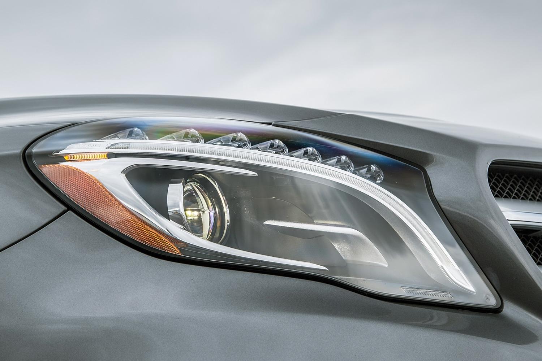 2017 Mercedes-Benz GLA-Class GLA250 4MATIC 4dr SUV Headlamp Detail