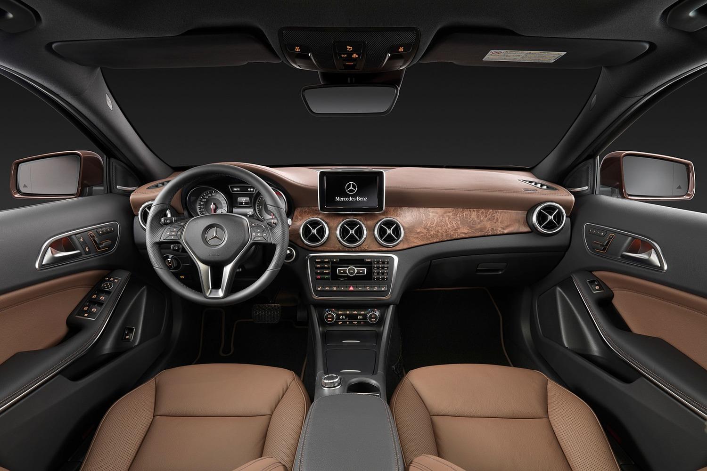 2017 Mercedes-Benz GLA-Class GLA250 4MATIC 4dr SUV Dashboard