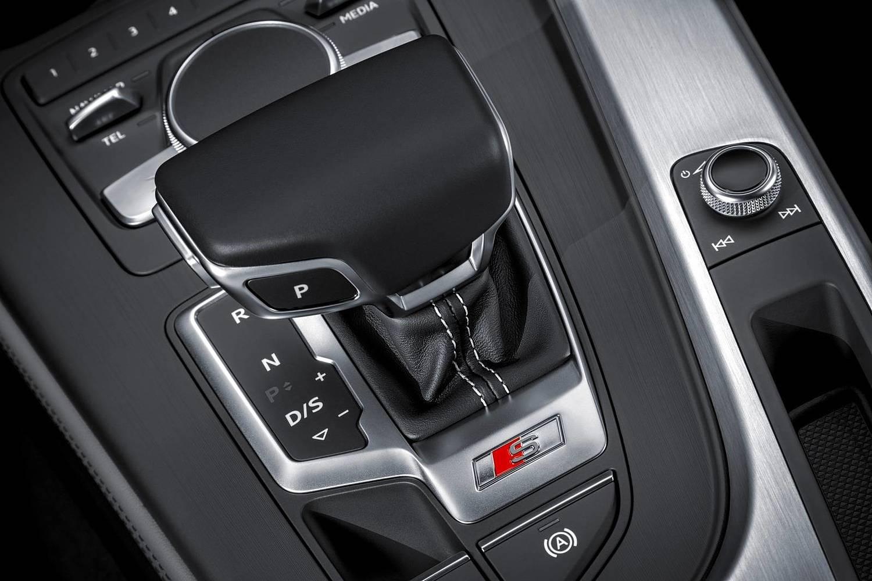 2018 Audi S5 Prestige quattro Coupe Shifter