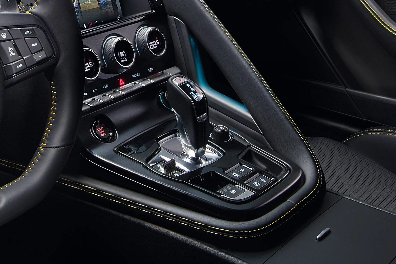 2018 Jaguar F-TYPE 400 Sport Coupe Shifter