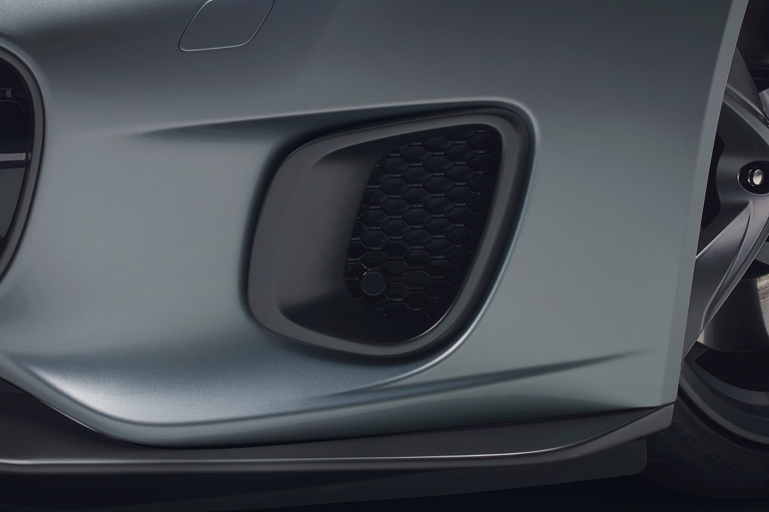 2018 Jaguar F-TYPE 400 Sport Coupe Exterior Detail