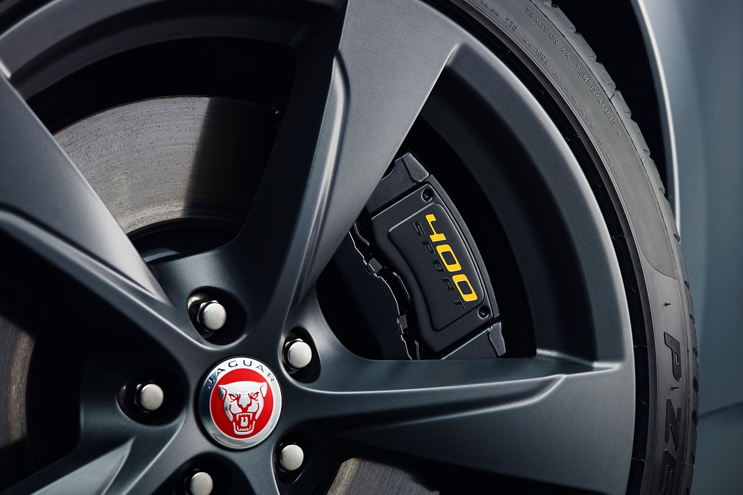 2018 Jaguar F-TYPE 400 Sport Coupe Wheel