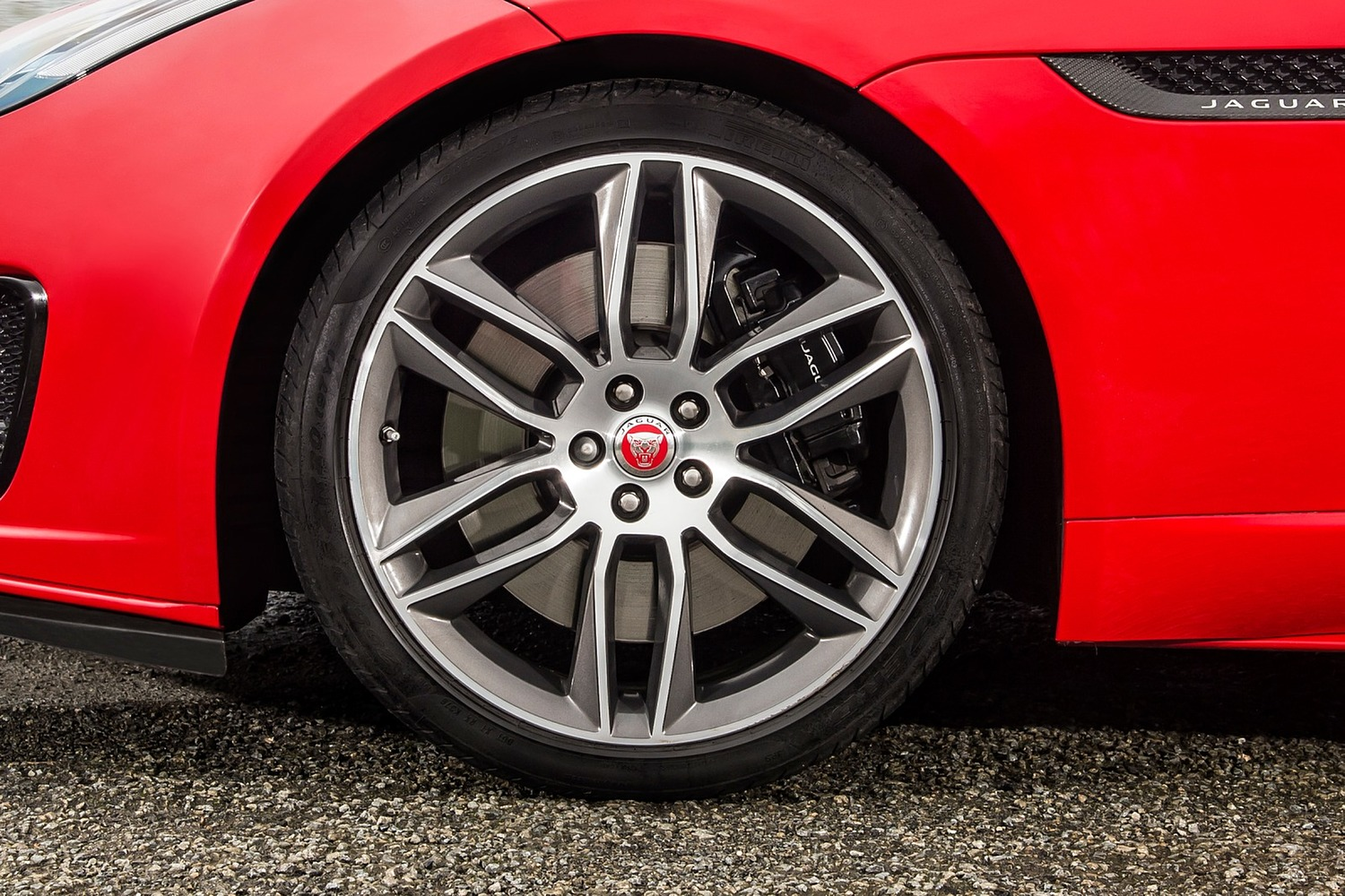 2018 Jaguar F-TYPE Coupe Wheel