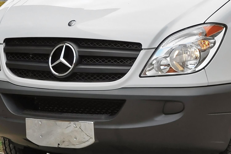 2017 Mercedes-Benz Sprinter 2500 144 WB Crew Passenger Van Front Badge