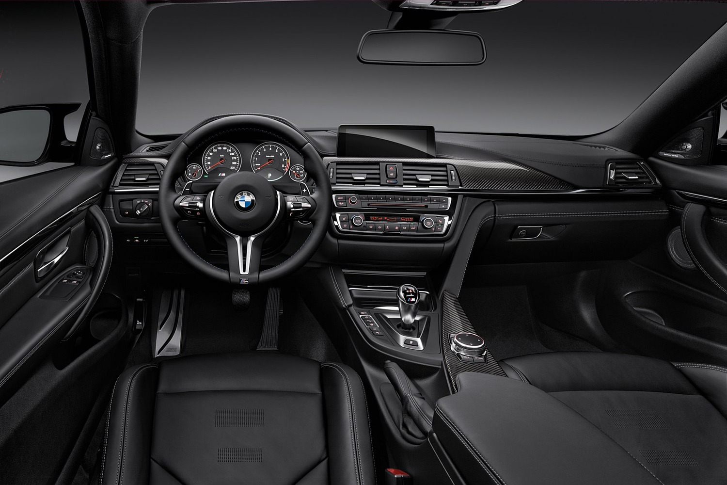 2018 BMW M4 Coupe Dashboard
