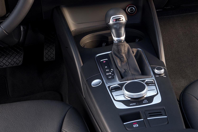 2018 Audi A3 2.0 TFSI Prestige quattro Sedan Shifter