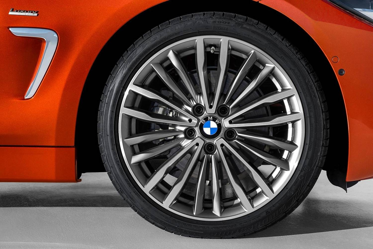 2018 BMW 4 Series 430i SULEV Convertible Wheel. European Model with Executive Package Shown.