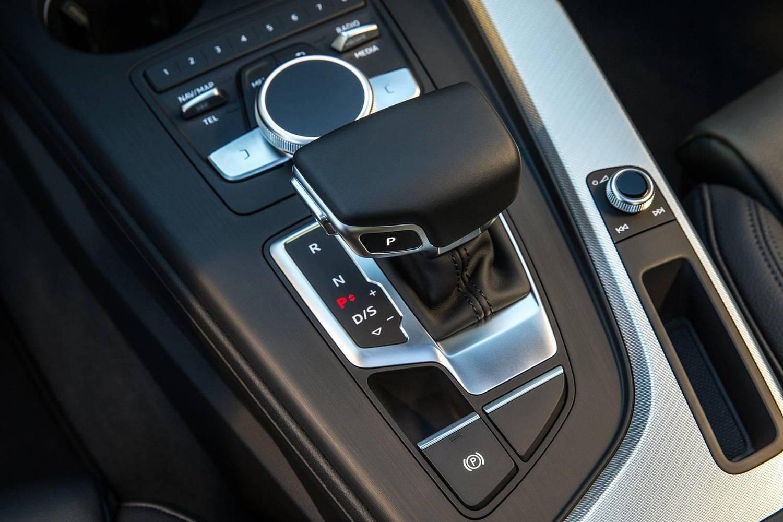 2018 Audi A4 2.0 TFSI Prestige quattro Sedan Shifter