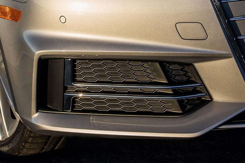 2018 Audi A4 2.0 TFSI Prestige quattro Sedan Exterior Detail