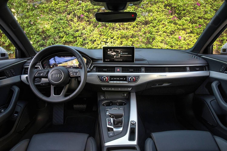 2018 Audi A4 2.0 TFSI Prestige quattro Sedan Dashboard