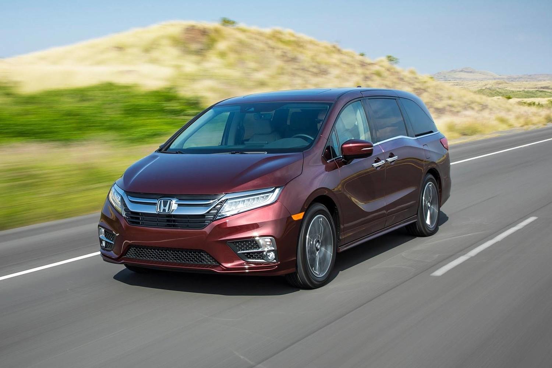 2018 Honda Odyssey Elite Passenger Minivan Exterior Shown