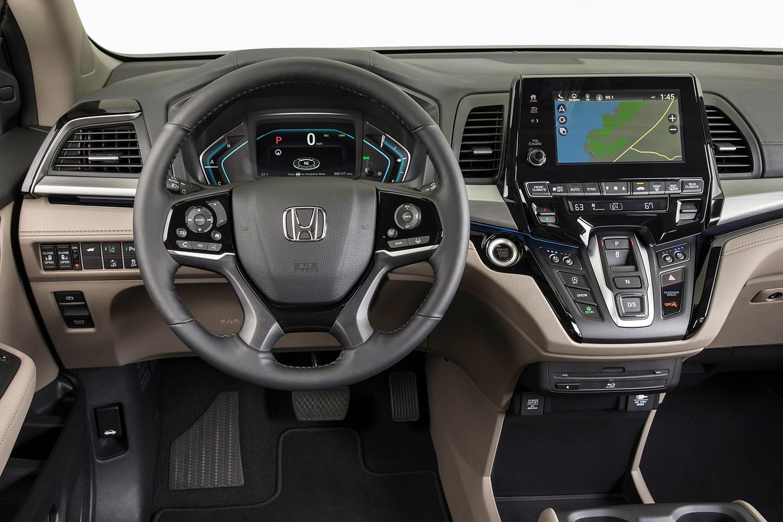 2018 Honda Odyssey Elite Passenger Minivan Steering Wheel Detail