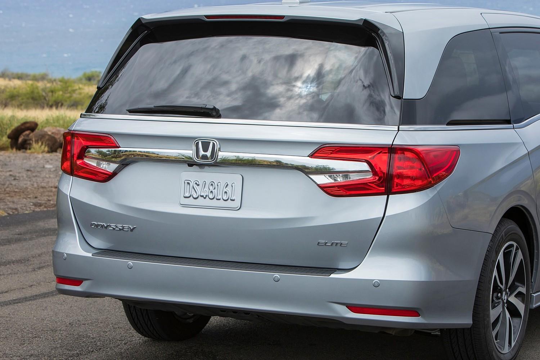 2018 Honda Odyssey Elite Passenger Minivan Rear Badge