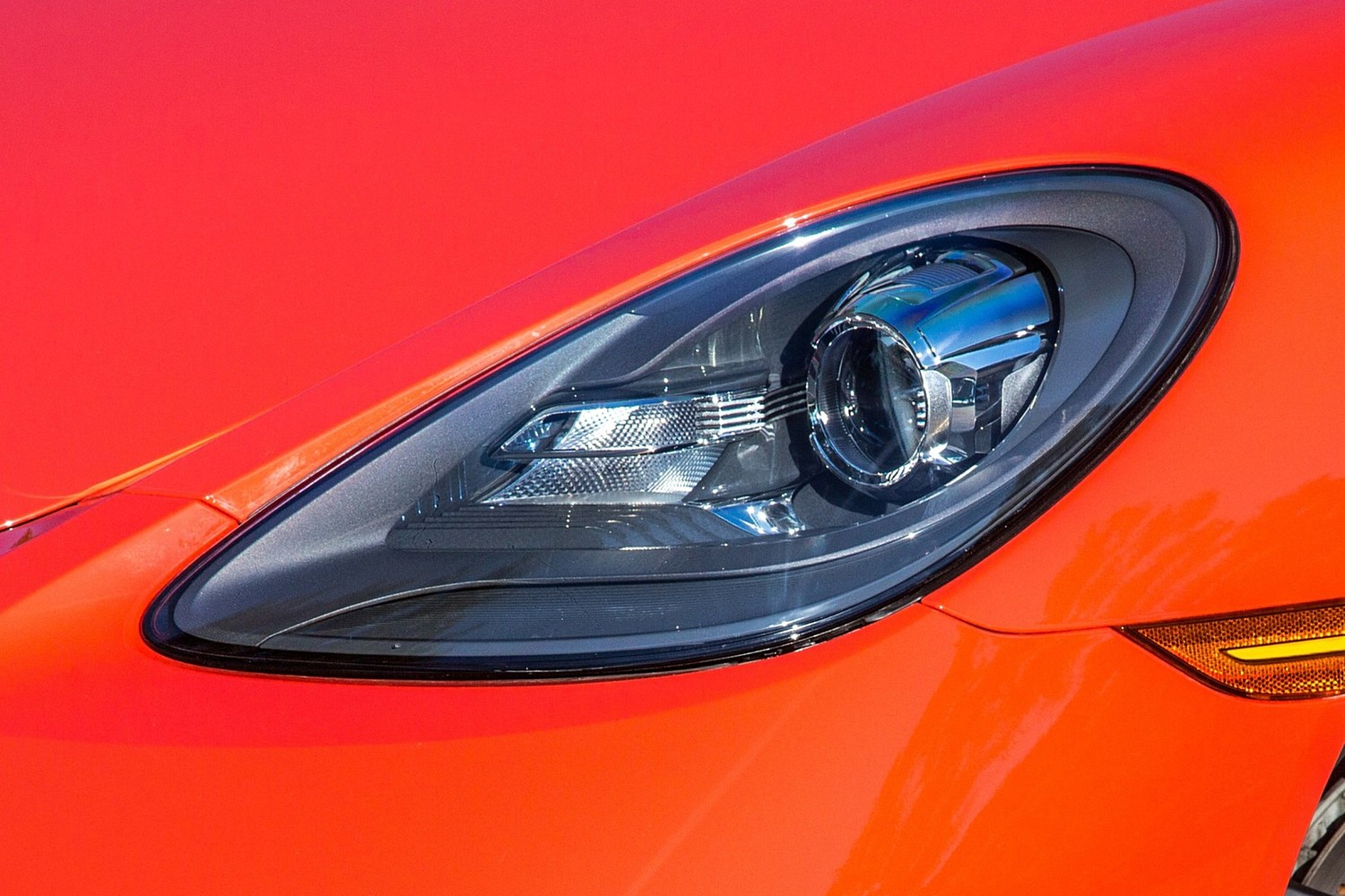 2018 Porsche 718 Cayman S Coupe Headlamp Detail