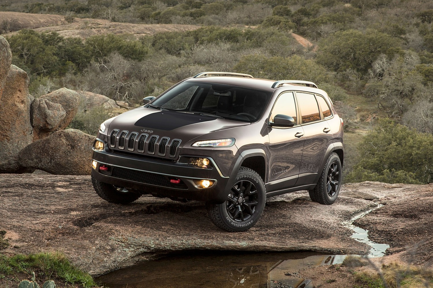 2018 Jeep Cherokee Trailhawk 4dr SUV Exterior